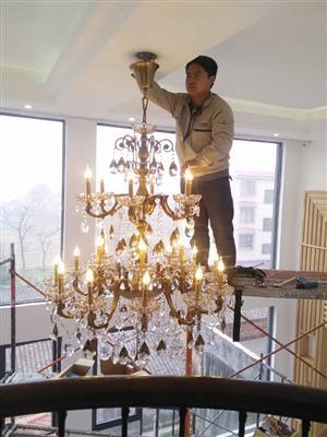 哪里有安装灯具的师傅联系方式