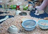 妇女在家创业致富的好项目手工串珠加工